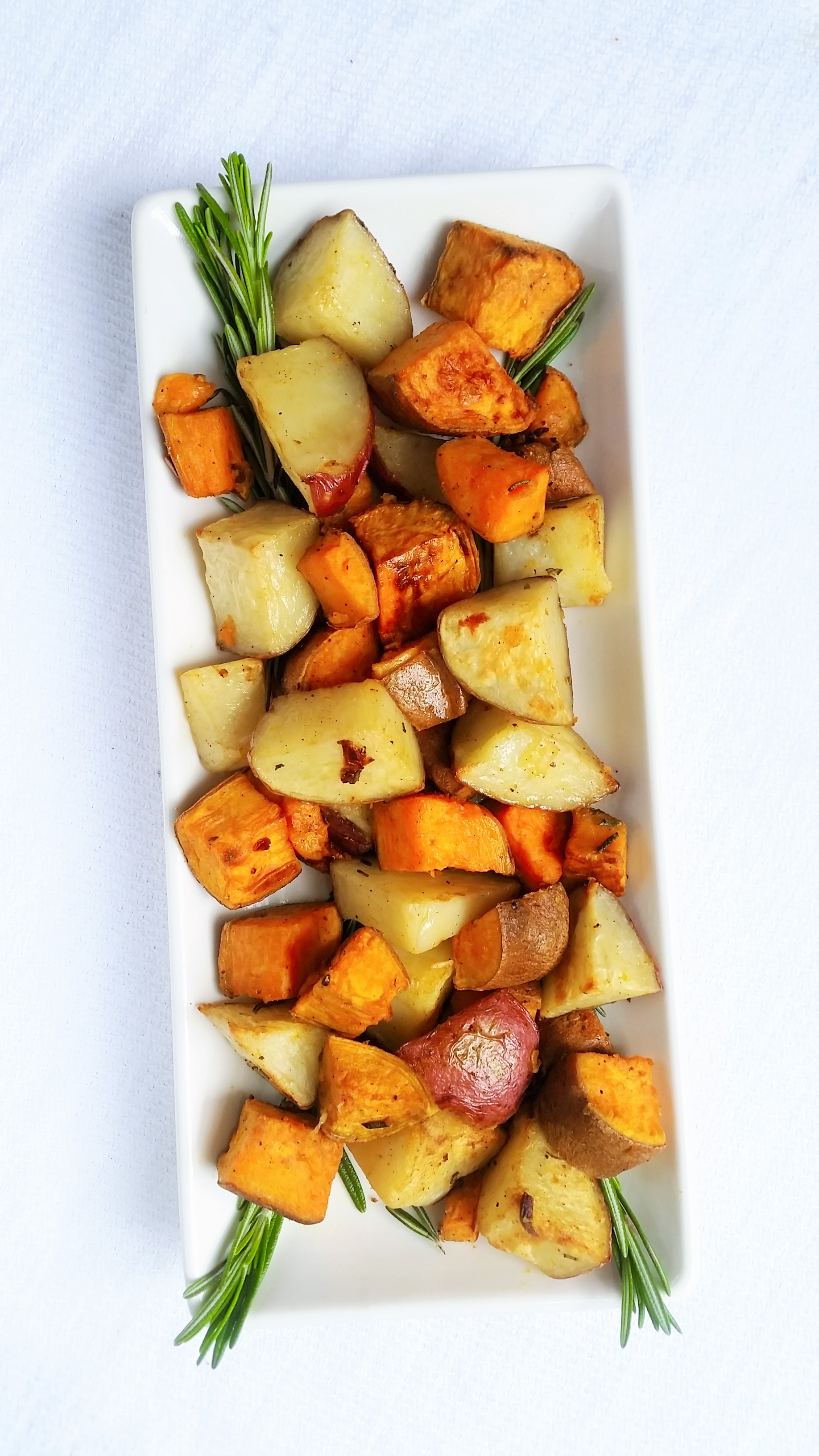 roasted-rosemary-garlic-potatoes-1